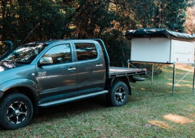 Toyota Hilux - Traymate Slide on canopy camper
